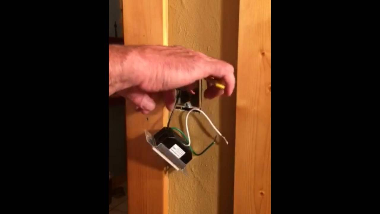 Installing ClareVue Three Way Switches - 2 - Replace the Accessory